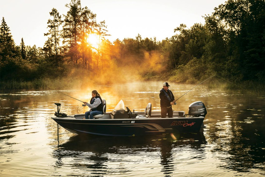 Fishing boat rentals minocqua lakeside boat rental storage for Fishing boat rental